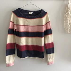 Stickad tröja från Boomerang, storlek xs. Köparen står för frakten!