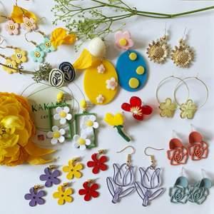 Blommor örhängen i nyskick, oanvända, prisklass 55-85kr/par, inklusive frakt 🌼🌸🌻