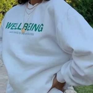 Jättefin och populär sweatshirt från Gina Tricot, fråga gärna om fler bilder☺️☺️
