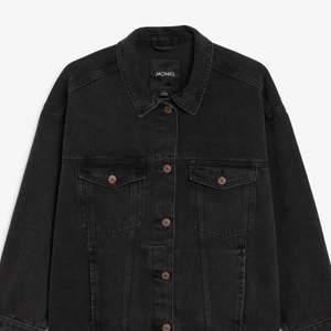 svart jeans jacka, jätte fint skick