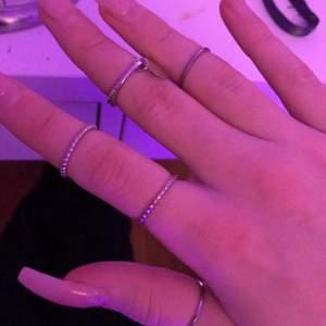 silver färgade ringar helt nya. 40kr & frakten ingår💗