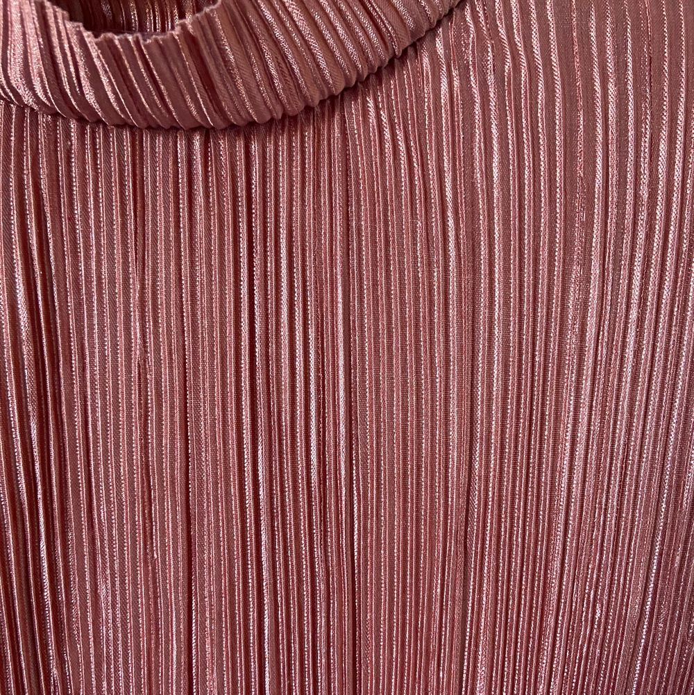 Plisserad tröja från hm, köpare står för frakten. Toppar.