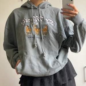 Oversized Brandy Melville hoodie. Skriv för mer bilder! ❤️