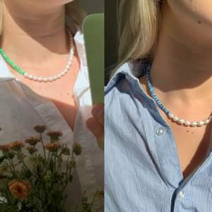 Säljer mycket smycken på Instagram: @aliceruthjewelry 🥰🥰 Gör halsbanden på egen hand för 249kr och frakten är endast 12kr! Det är justerbart och passar därför flera olika längder! Kontakta för frågor❤️