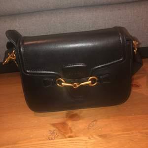 Svart Gucci väska, ej använd