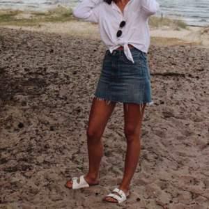 Min kära kära jeanskjol från Levis som jag tyvärr växt ur. Den perfekta kjolen!!