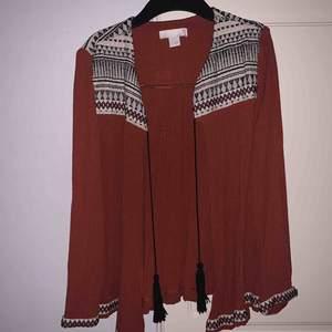 kimono från H&M använd fåtal gånger i jätte fint skick