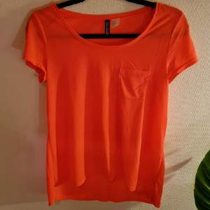 h&m neon t-shirt