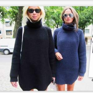 Ombloggad stickad tröja från HOPE Nypris 2099, finns på bl.a Zalando eller HOPEs hemsida. Använd - En liten maska finns på framsidan men är lätt att peta in, se bild