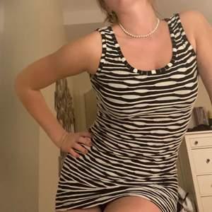 Skit snygg klänning
