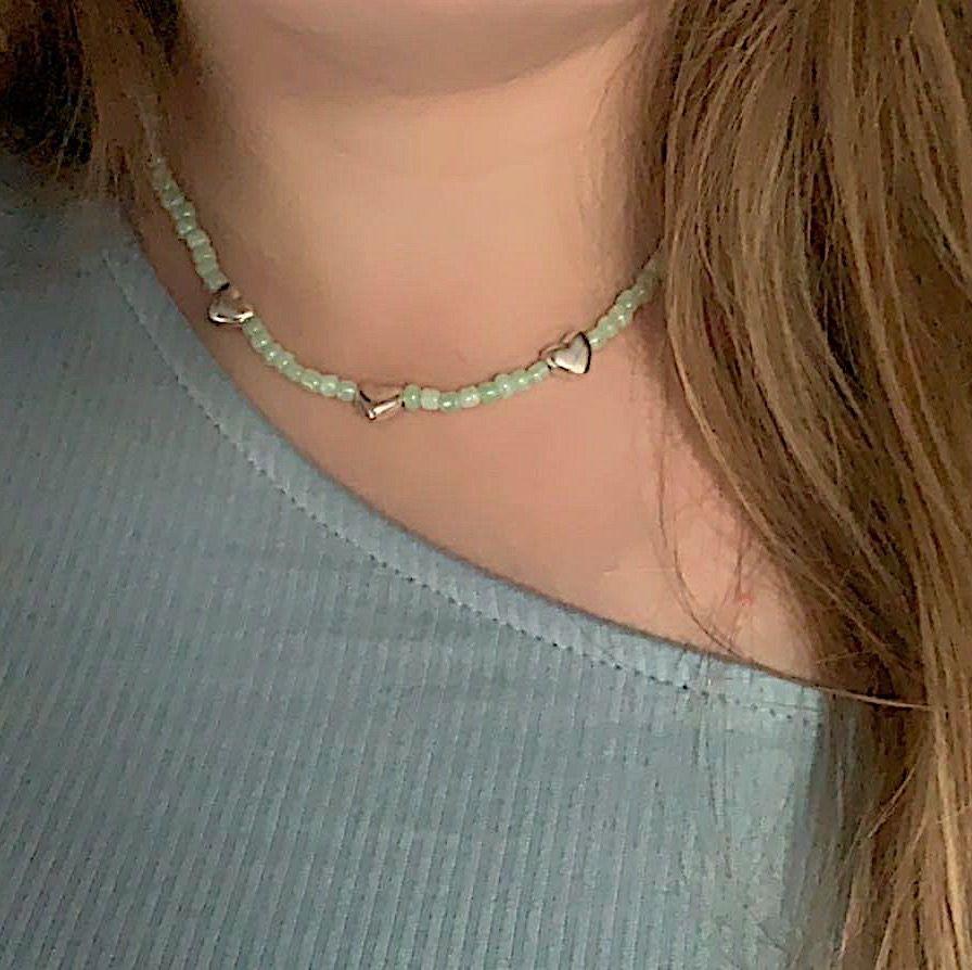 Superfint halsband för 50kr + frakt!🥰 Går att göras i andra färger om det skulle önskas😁💞. Accessoarer.
