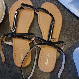Fina Sandaler användes 1gång.
