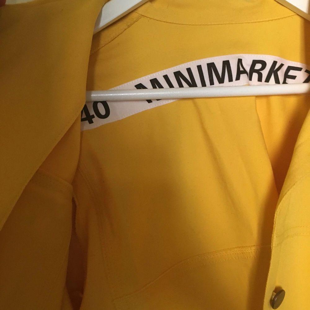 Helt oanvänd jacka från Minimarket, nypris 1900. I bomull. Jackor.