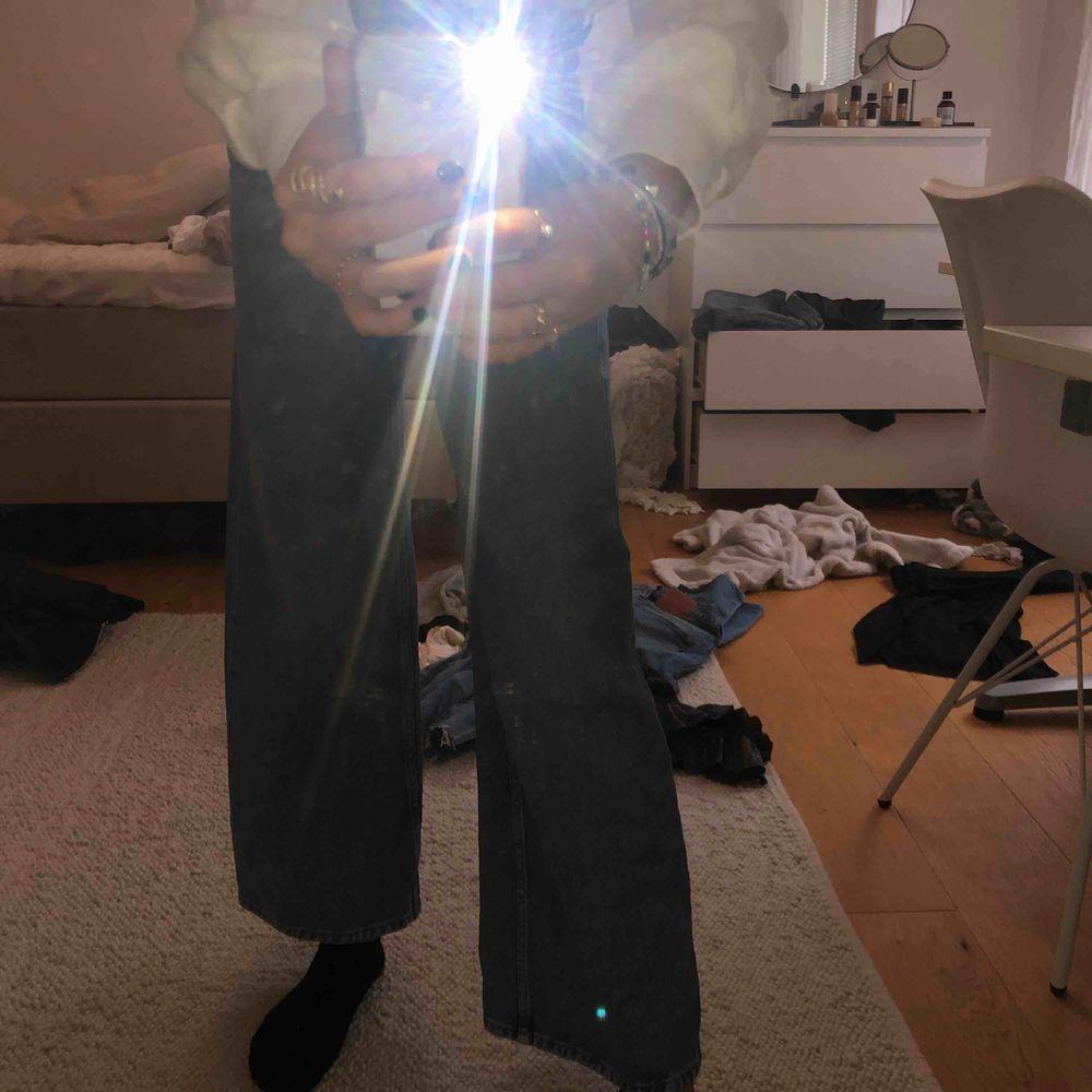 BUDA! Ascoola trendiga jeans från weekday aldrig använda. Jeans & Byxor.