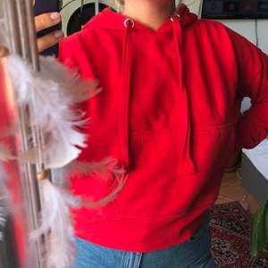 Röd fin hoodie - fri frakt🌻