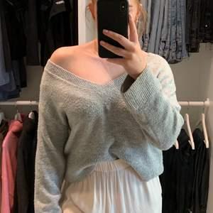 Ljus grå tröja från Hm lite större i storlek