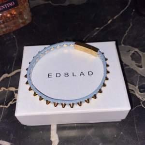 Säljer detta edblad armband, jättefint! Säg till om fler bilder önskas👑 nypris: 399kr👑