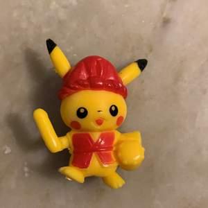 Säljer en Pikachu figur🌞 köparen står för frakt & tar endast swish☺️