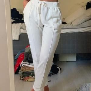 Vita byxor som matchar till det mesta🤍☺️