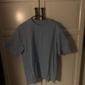 Oversized t-shirt från H&M aldrig använd 50kr+frakt