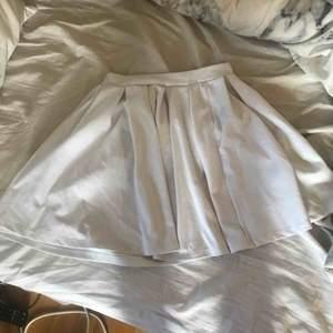 """Säljer denna fina """"ballerina"""" kjolen i storlek XS. Möts upp i Linköping annars står köparen för frakten Frakt 70kr"""
