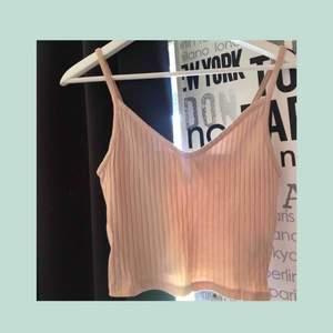 Fint ljusrosa ribbat linne || storlek S || säljer för 50 kr + frakt