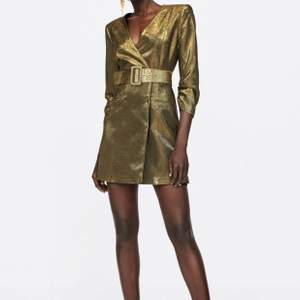 Zara gold party dress with belt. Used once, perfect conditions, size M but good for an S too. Shipping included