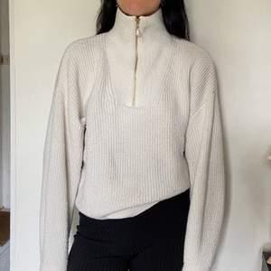 En tröja från Hm i storlek S! (SWISH) frakt=63kr