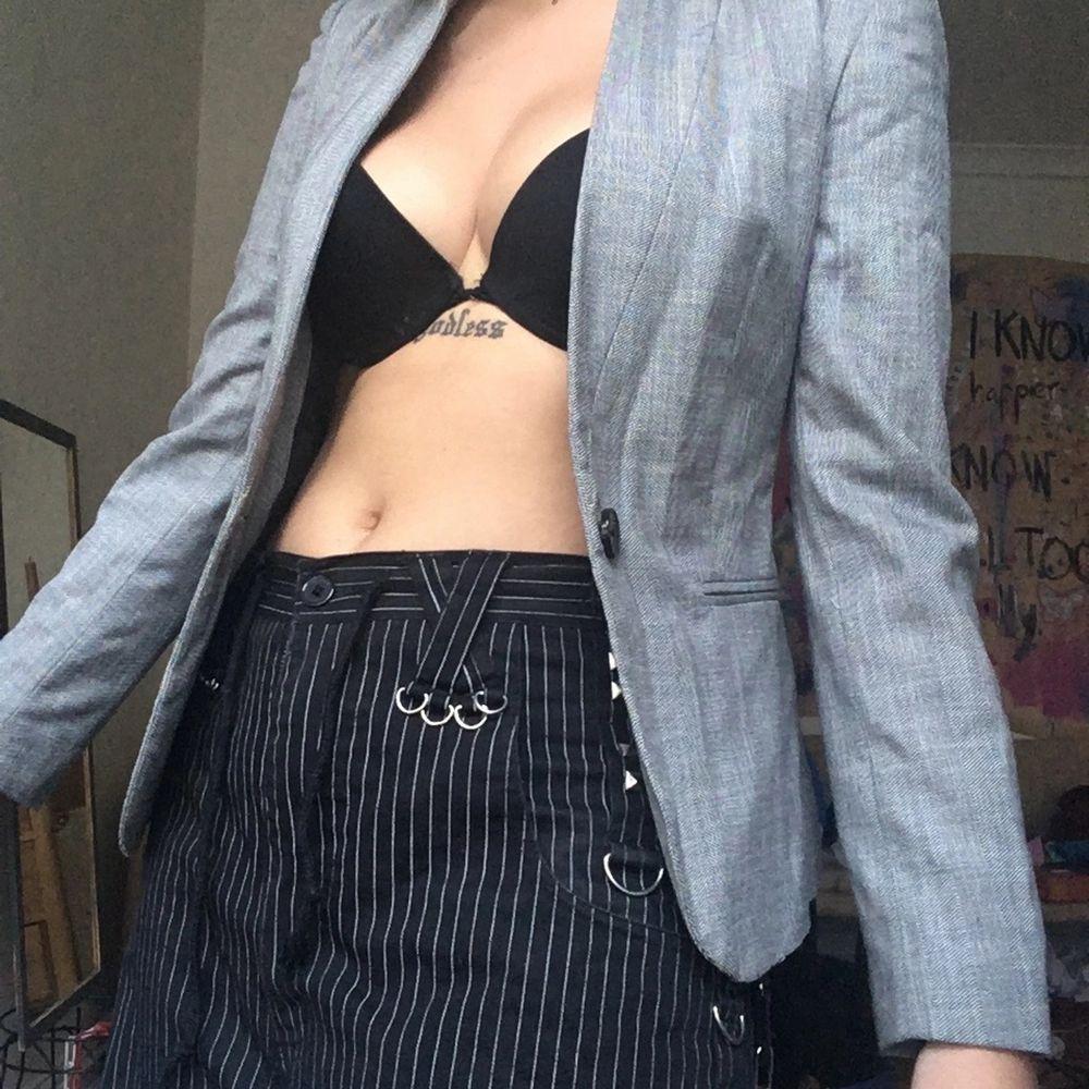 :) storlek s . Kostymer.