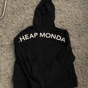 Säljer min cheap manday hoodie, storleken M men känns som en S. Använd kanske 2 gånger. Pris kan såklart diskuteras💞