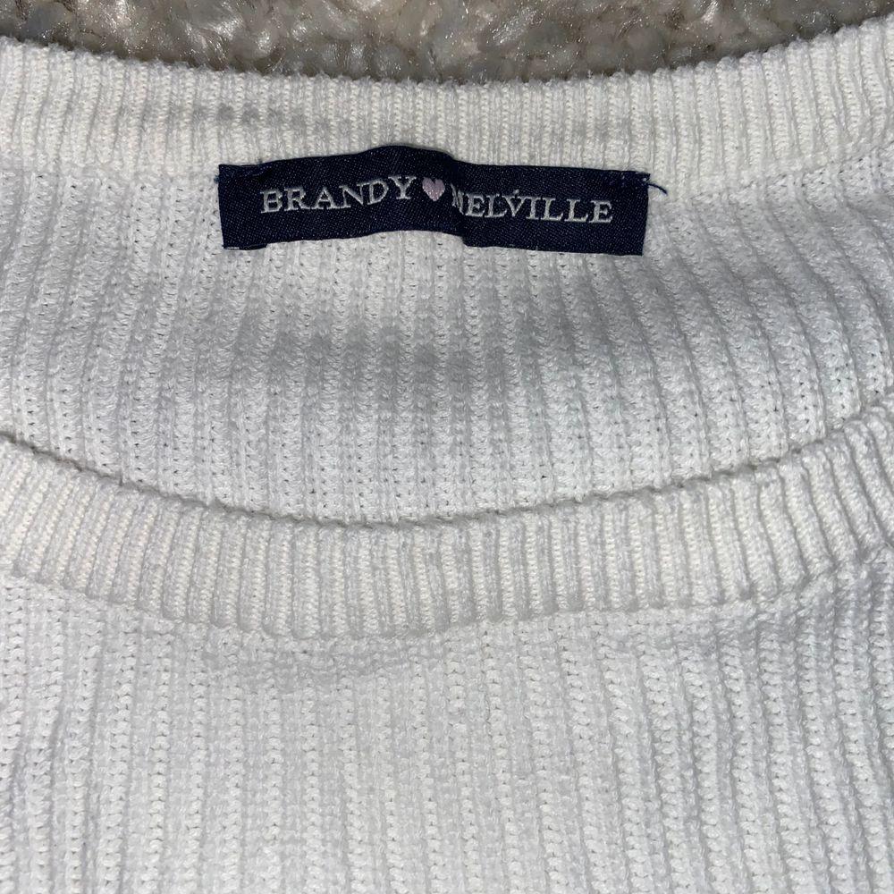 Tröja från Brandy Melville i stlk S⭐️  Köpt för 290 kr. Stickat.