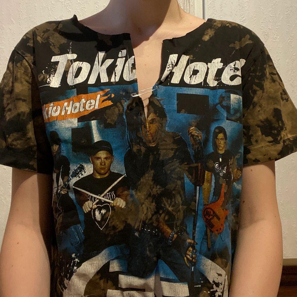 Oneofakind tröja, storlek S. T-shirts.