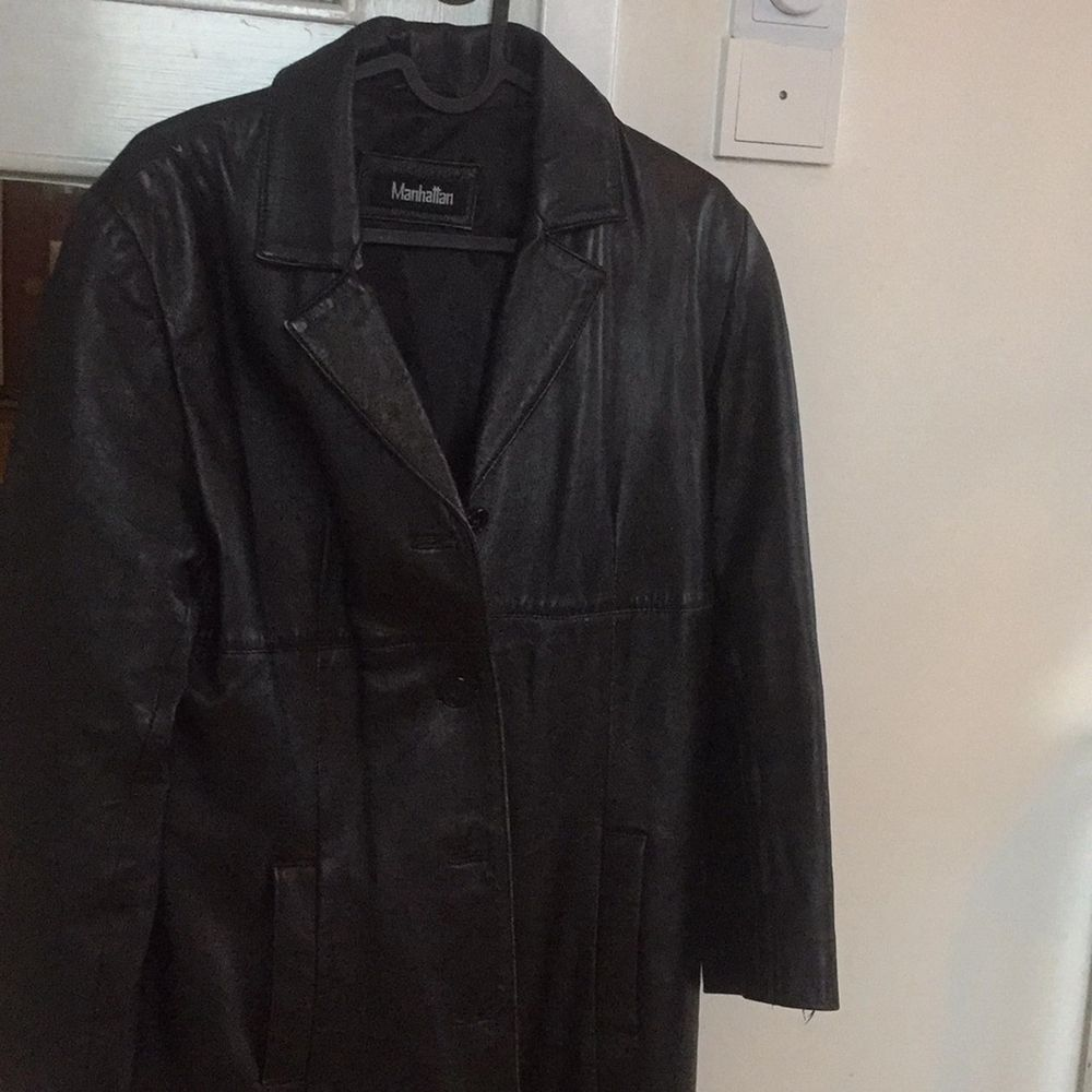 Lovely vinatage coat. Perfect for spring. Pm for more pics :). Jackor.