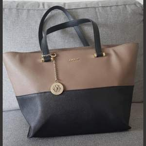 Supersnygg väska som är perfekt för mer packning.