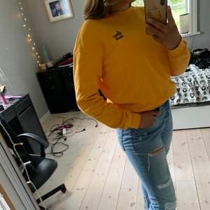 Gul sweatshirt från h&m. 75kr+frakt.