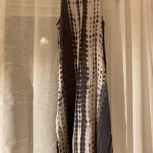 Gullig klänning från newlook och passar mig som har xs.