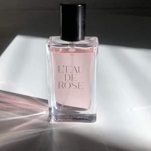 Leau de rose parfym 30ML. Helt oanvänd, frakt ingår.
