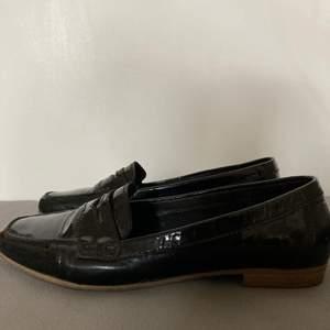 Snygga loafers från det dyra märket Gabor! Bra skick! Storlek 39-40