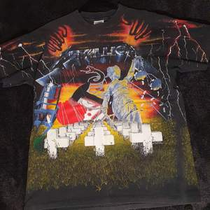 Rare 1991 metallica BROCKUM full pattern vintage T-shirt size XL  Good vintage condition  Super rare band T-shirt from 1991 Made in the USA