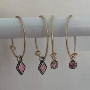 örhängen i guld med rosa detaljer! ett par för 15 eller båda för 20💞