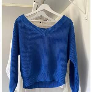 Sååå fin blå tröja från gina i stl S. (Bild 2 blev väldigt mörk) 💙 frakt tillkommer