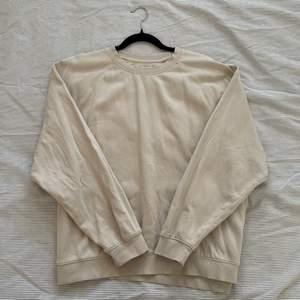 Beige sweatshirt från Cubus herravdelning, nästan helt oanvänd och inga defekter alls