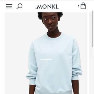 Säljer denna sweatshirt från monki i storlek S. Säljer för 80 kr + frakt. Skriv privat för fler bilder eller frågor.