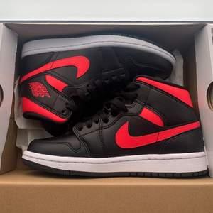 Intressekoll på mina Air Jordan Mids storlek 37.5, nya. Självklart äkta, kvitto finns.