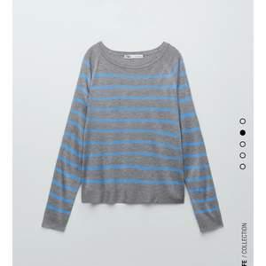 En fin grå tröja med blå ränder från zara, helt oanvänd💗