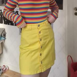 stretchig gul jeanskjol, strl XS, 100kr + 72kr frakt