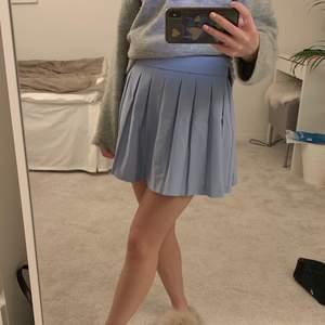 Intressekoll ! På min ljusblå tenniskjol ifrån bershka!💙💙💙💙