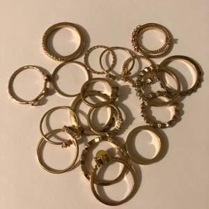 19 styckna olika ringar, några har jag använt 1 gång och några andra 3 gånger. Använder inte ringar så tänkte sälja dom.