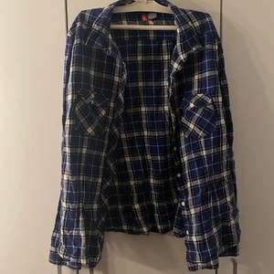 Mina gamla flannels som jag inte använder längre☺️ 100kr för en 🌟