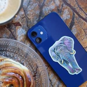 Vi är ett UF som säljer stickers med djurmotiv för att upplysa om kampen för att stoppa utrotningen av djur i Afrika🦍🦒🐘 Med denna sticker visar du att du vill stoppa utrotningen samtidigt som du även piffar upp gamla skal du redan har hemma! Du kan antingen skriva till mig här på plick vid köp av stickers eller till oss på instagram 🦍🦒🐘 För mer info besök @safaristickers på instagram 🤎🤎🤎
